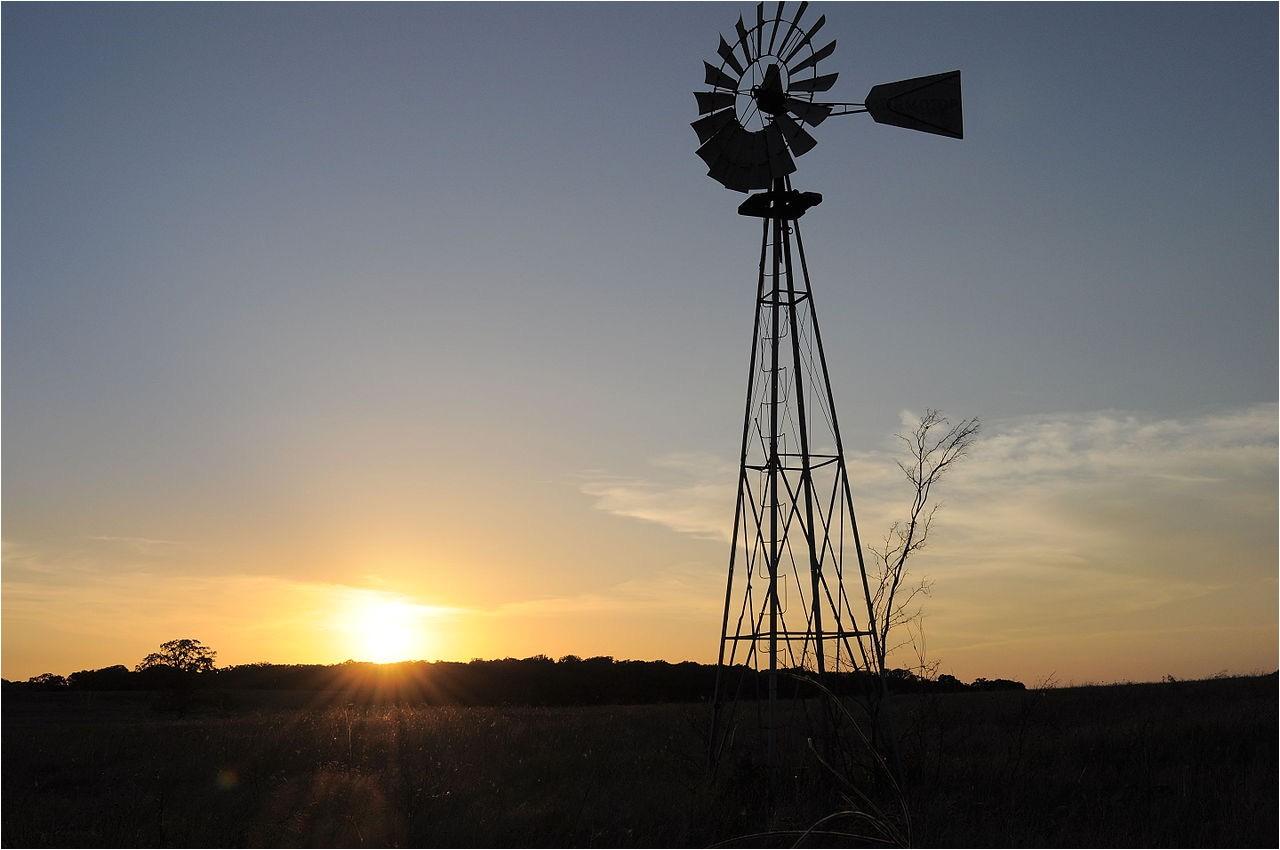 file aermotor windmill texas 2010 jpg