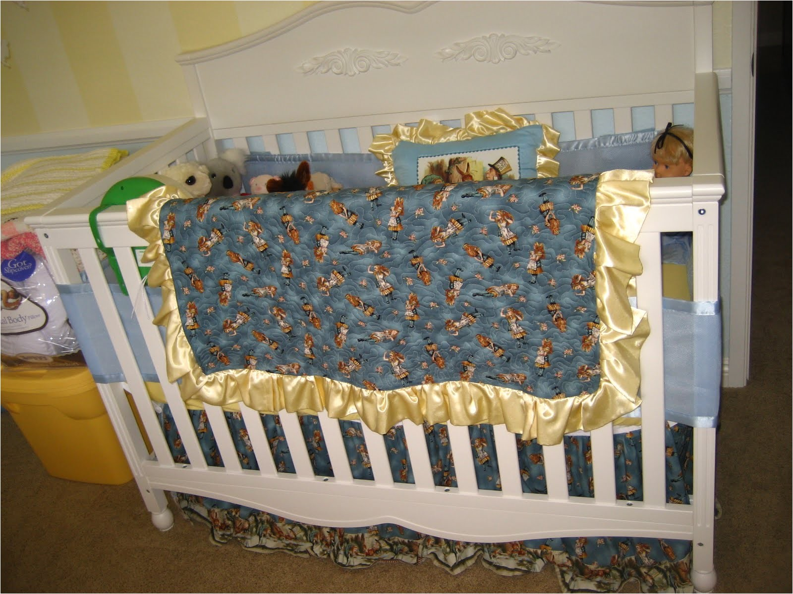 alice in wonderland crib bedding