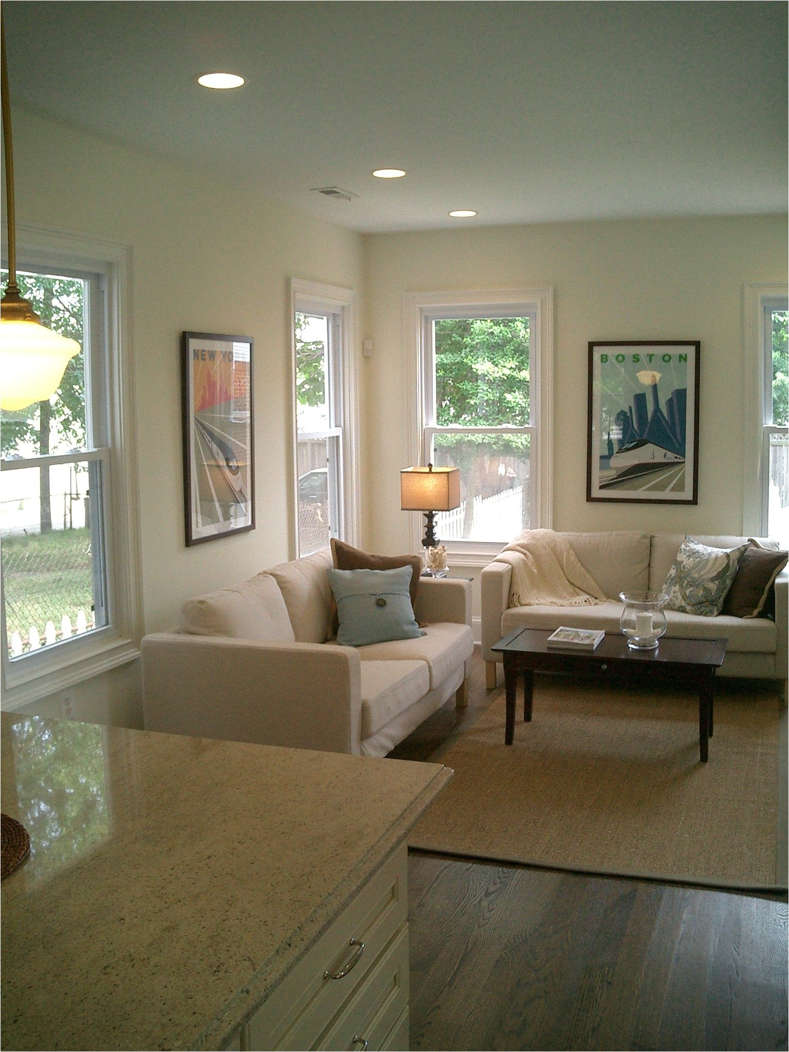 benjamin moore ivory white 925 paint color for white walls that aren t too yellow or too blue