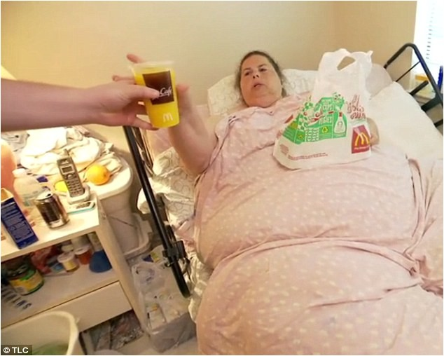 399654 morbidly obese woman puts her life at risk after refusing to get out of bed on my 600lb life
