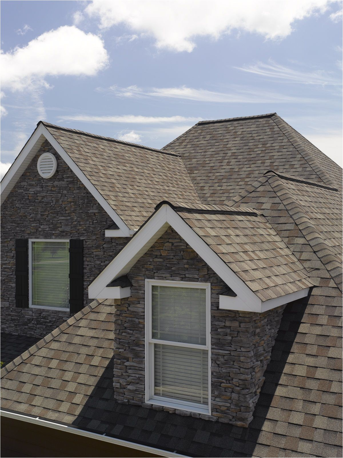 Certainteed Landmark Ir Colonial Slate Certainteed Landmark Shingles In Weathered Wood Residentialroofing