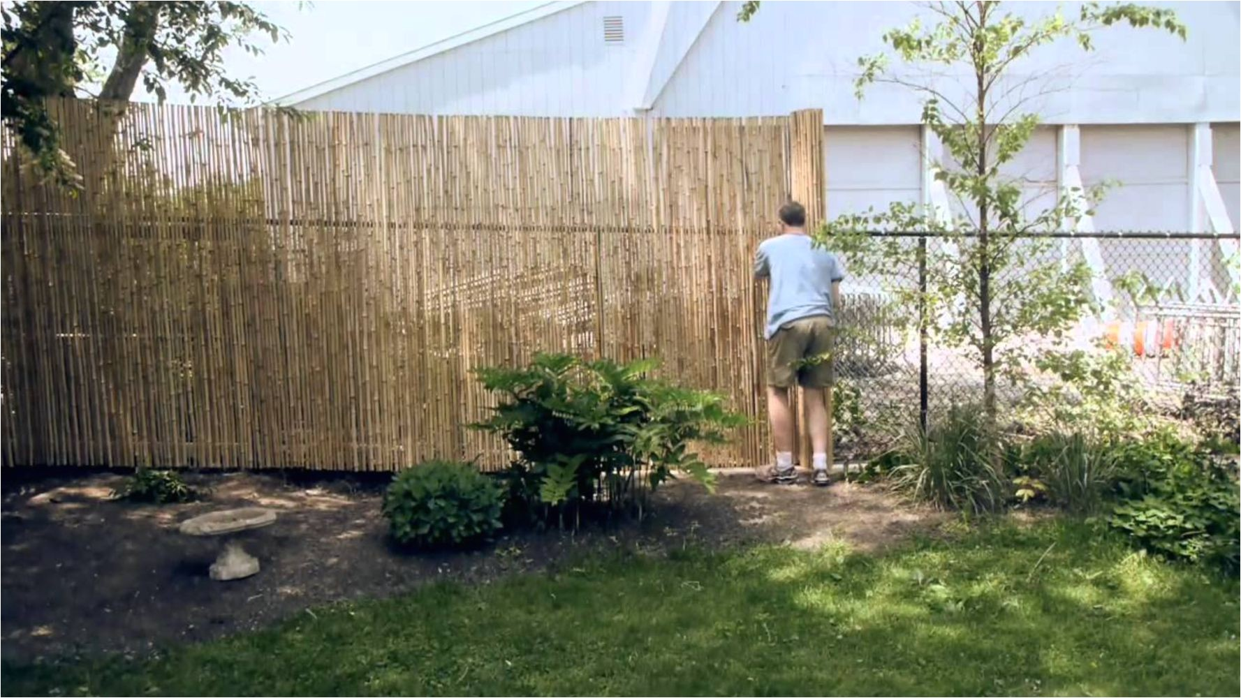 cheap diy privacy fence ideas 32