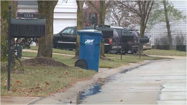 thieves steal gift cards left for garbage collectors in chesterfield