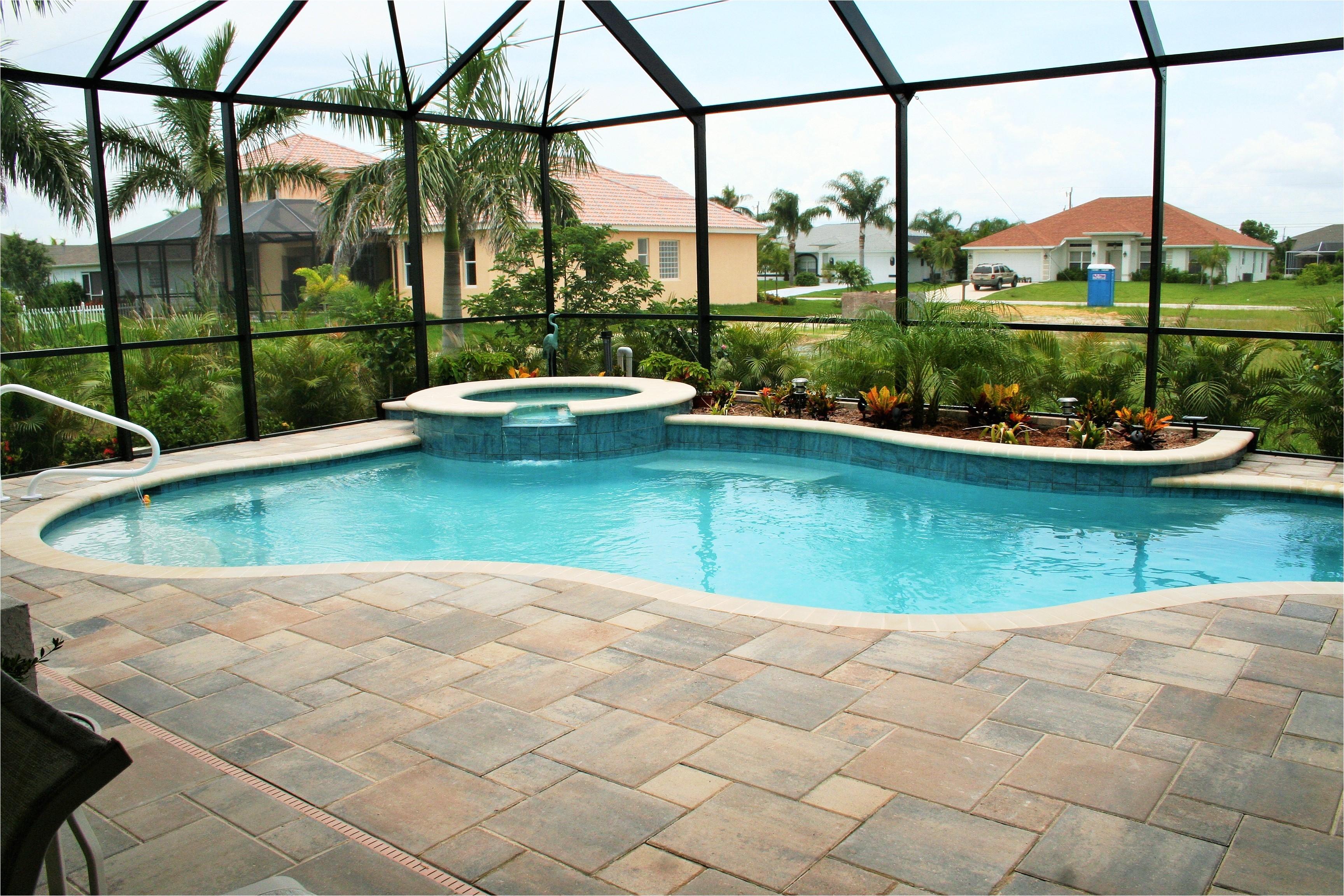 fiberglass vs concrete pools