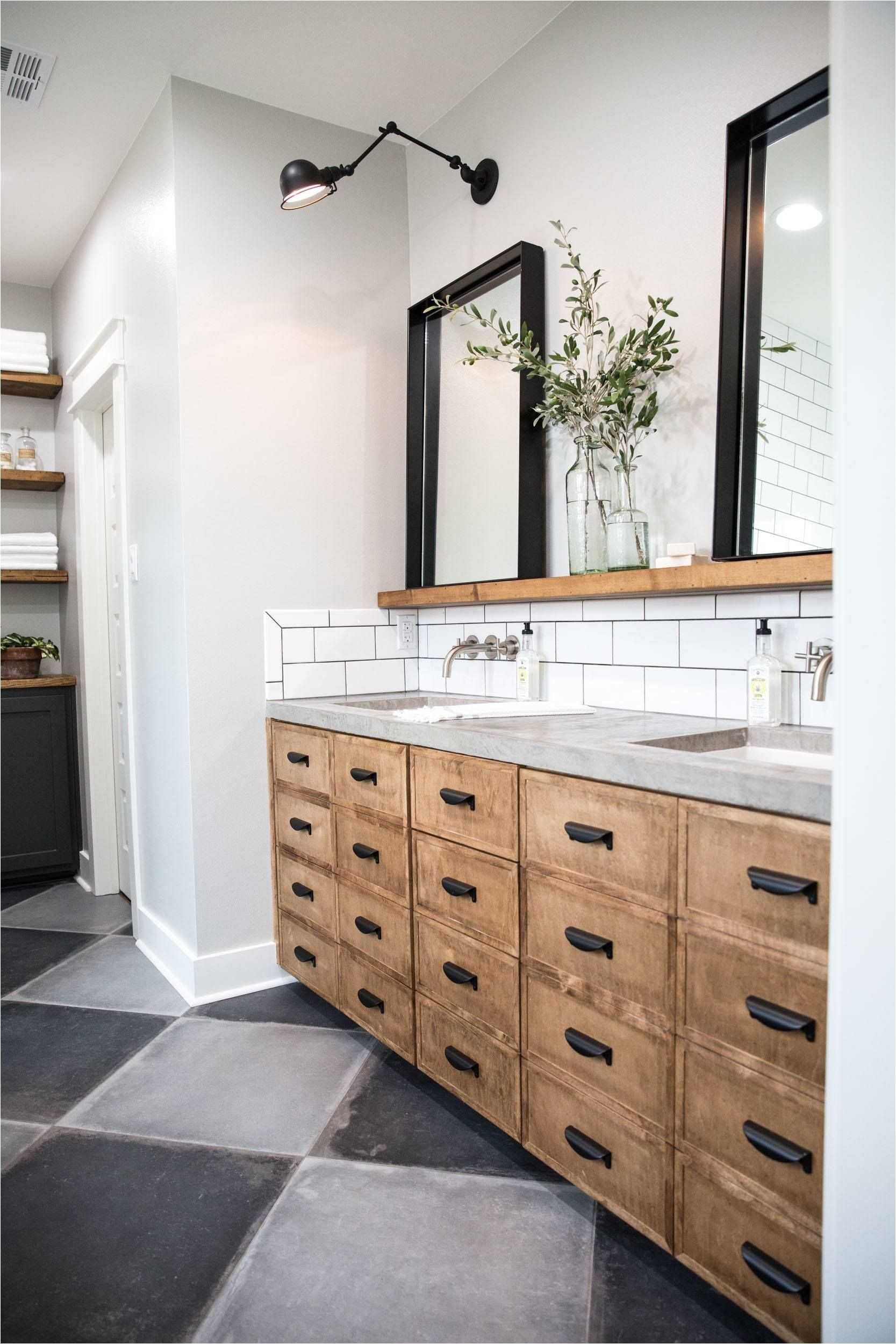 fixer upper season 4 episode 16 the little shack on the prairie chip and joanna gaines waco tx master bathroom