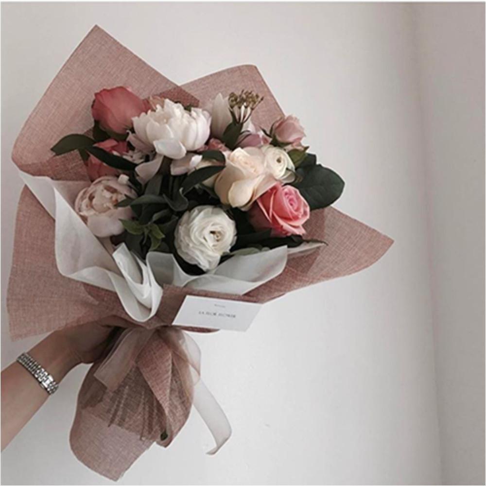 compre flores de papel de lino estilo coreano flores de papel ramo de regalo material de embalaje floristera a flora stica embalaje a 25 32 del likejason