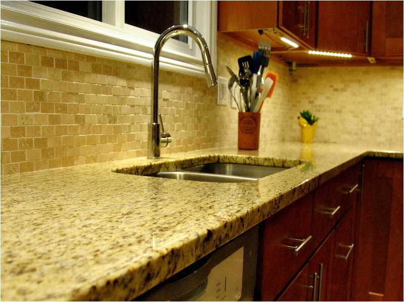Kitchen Backsplash Ideas with New Venetian Gold Granite New Venetian Gold Granite for the Kitchen Backsplash Ideas