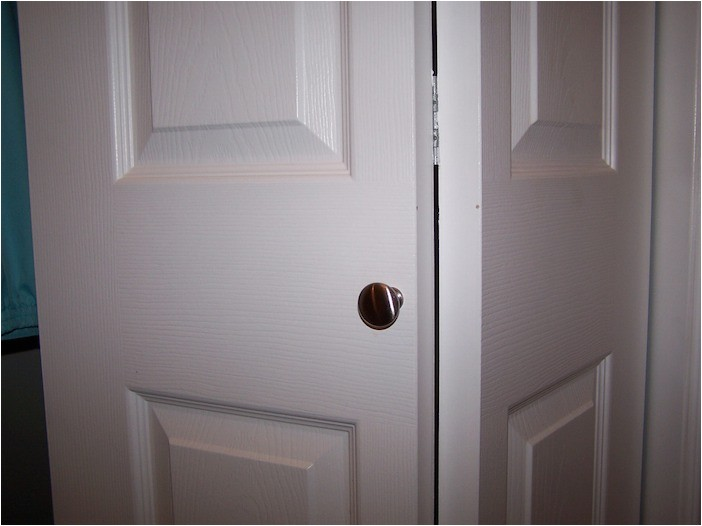 Knob Placement On A Bifold Door Adinaporter