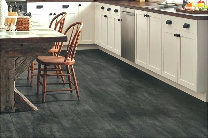 best kitchen flooring for dogs