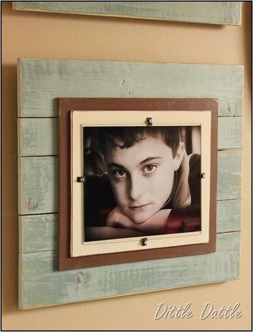 stunning and elegant pallet picture frame