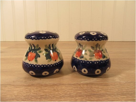 polish stoneware salt and pepper shakers