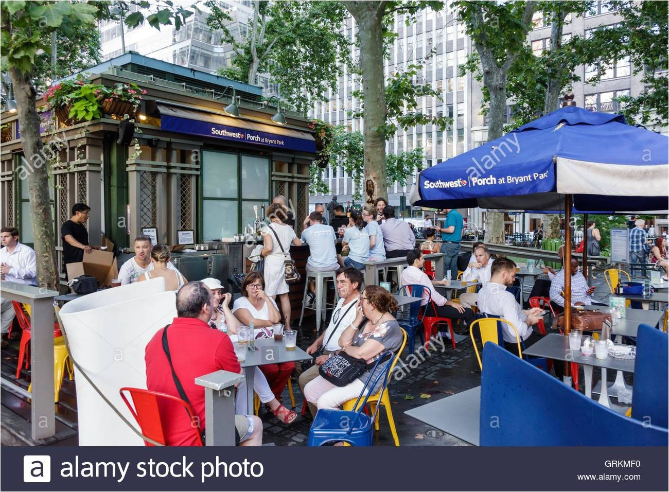 manhattan new york city nyc ny midtown bryant park public park southwest porch seating cafe restaurant