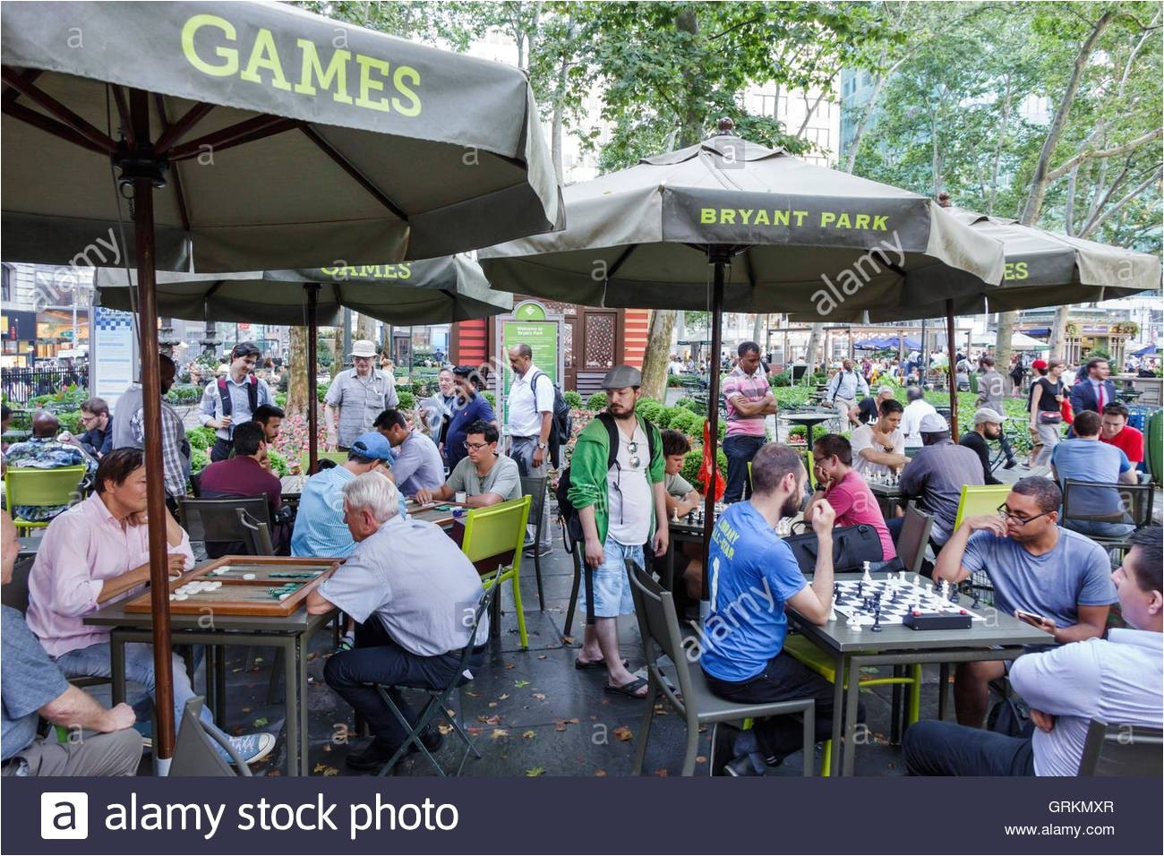 manhattan new york city nyc ny midtown bryant park public park games chess backgammon playing board