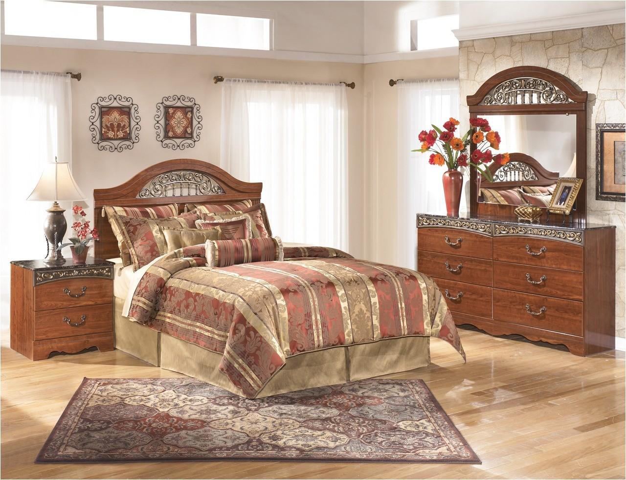 3 piece bedroom set b105 hb detail