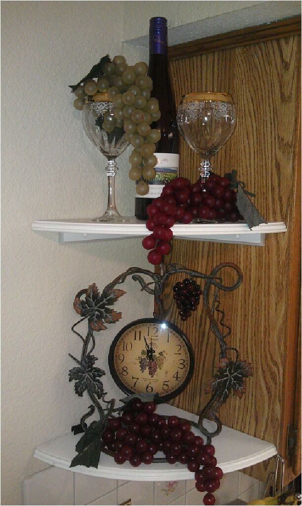 wine and grapes theme