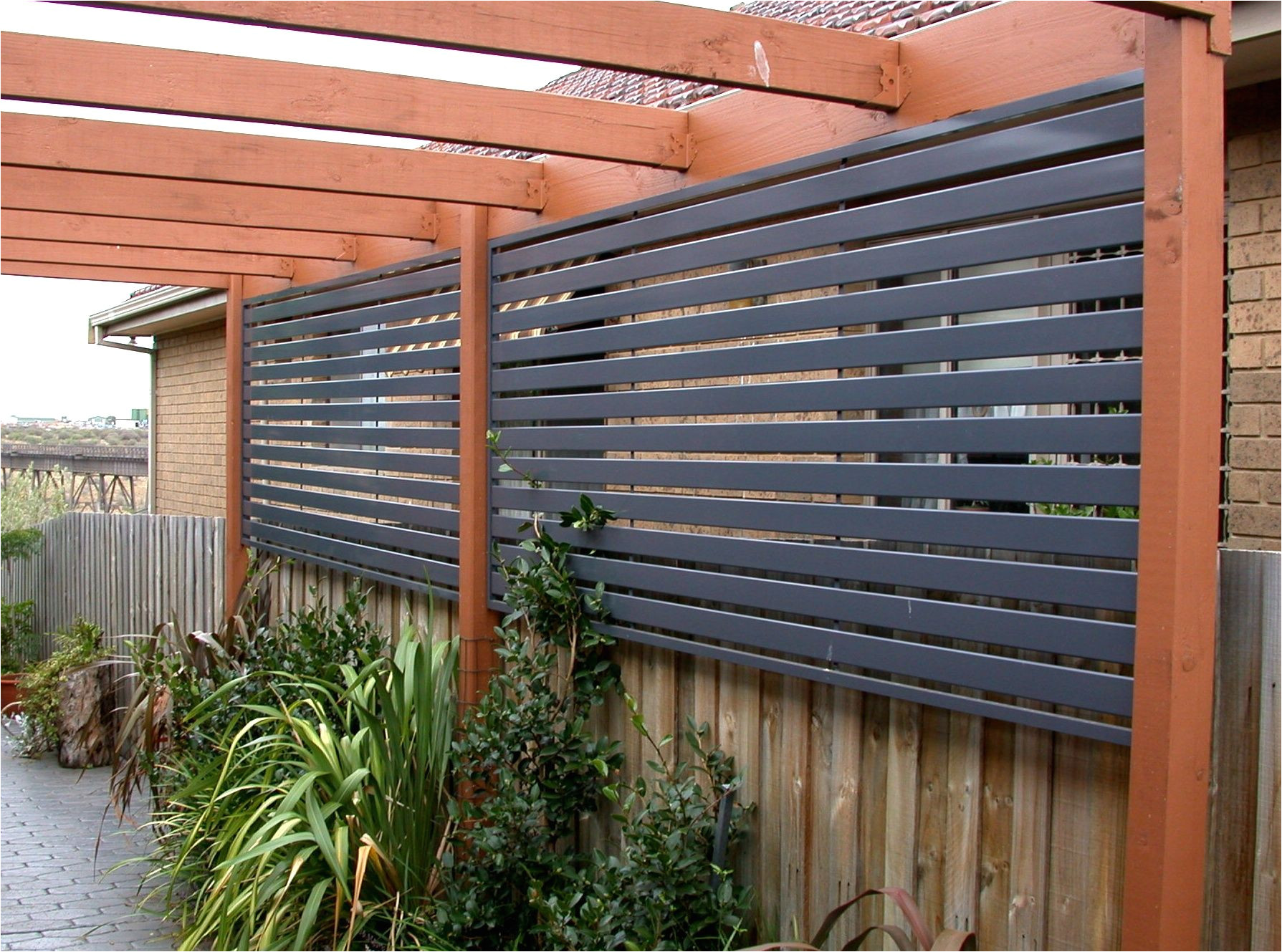 a clever take on privacy screens as robert frost wrote good fences make good neighbors diy outdoor privacy screen ideas