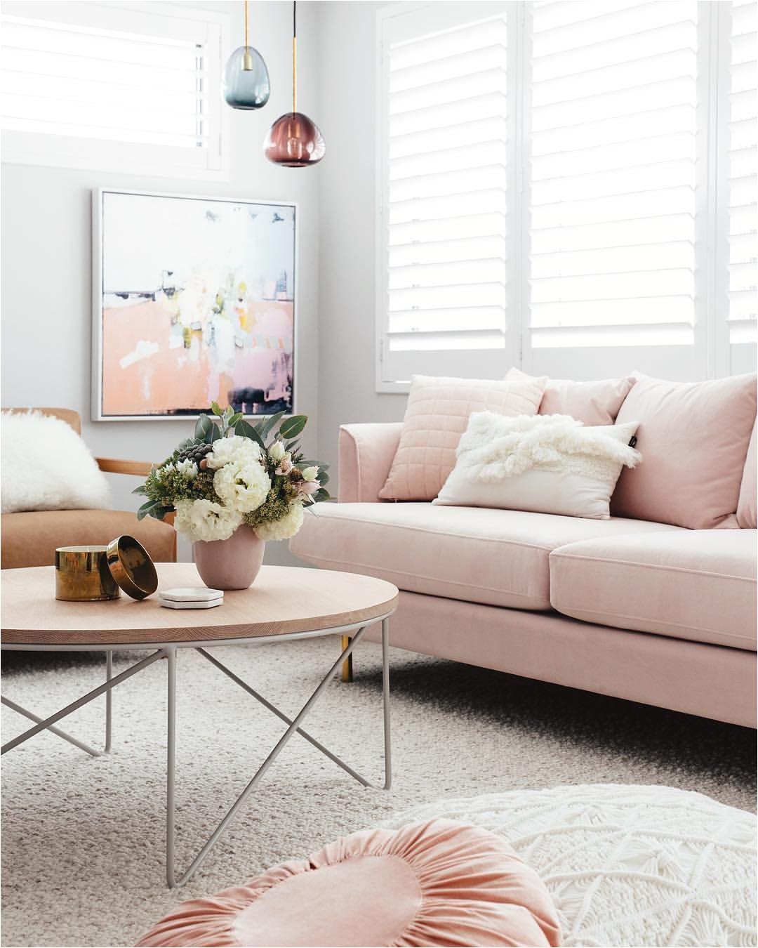 casas coloridas casas bonitas decoraciones para casa decoracia n de interiores sala de estar mesa centro apartamentos oficinas rosa palido