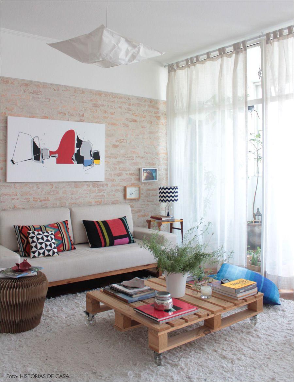 reaproveitamento um pallet pode virar uma mesa de centro super pratica e econa mica outras ideias em www historiasdecasa com br