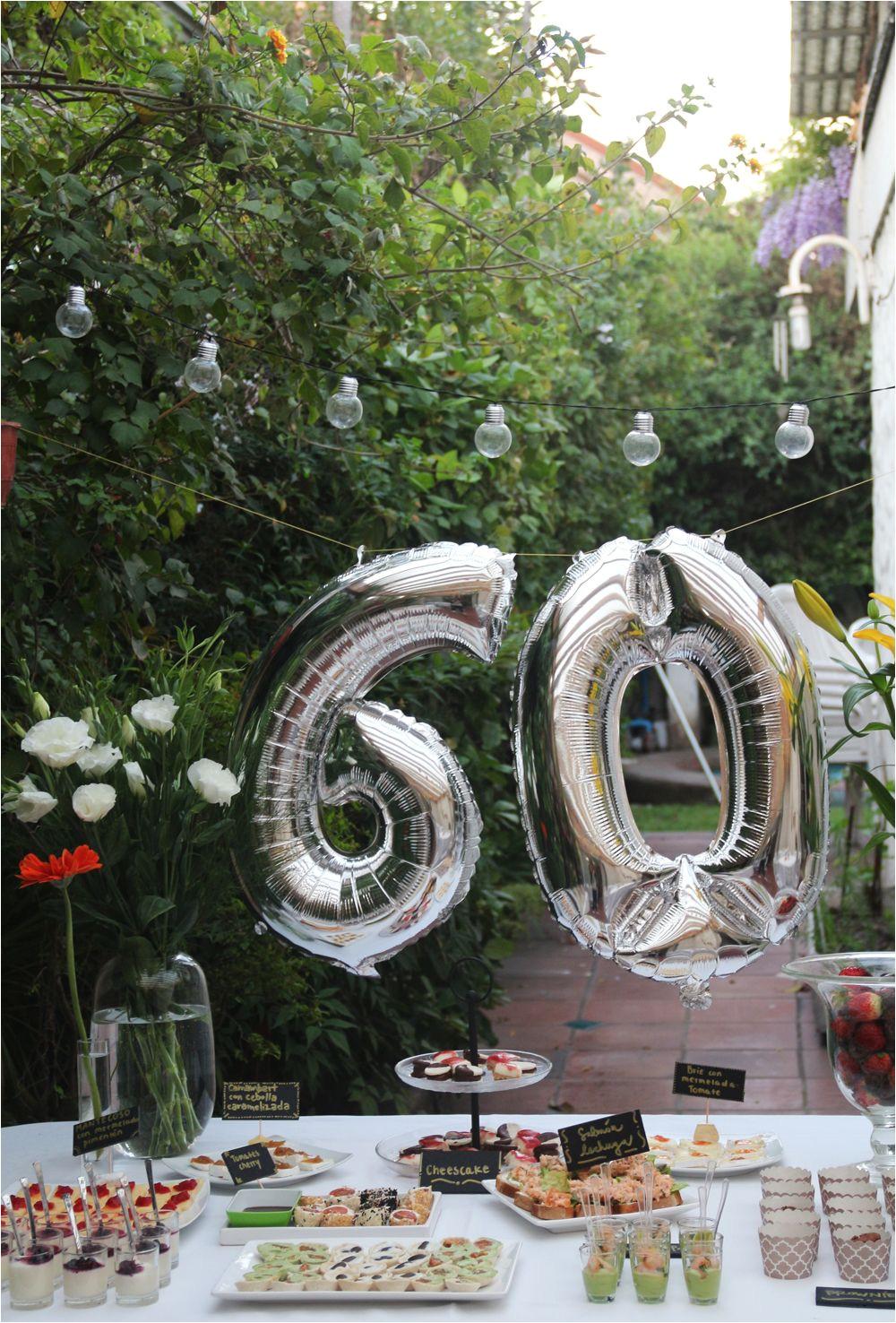ideas para cumpleaa os 60 al aire libre carteles comidas ca ctel aperitivos luces