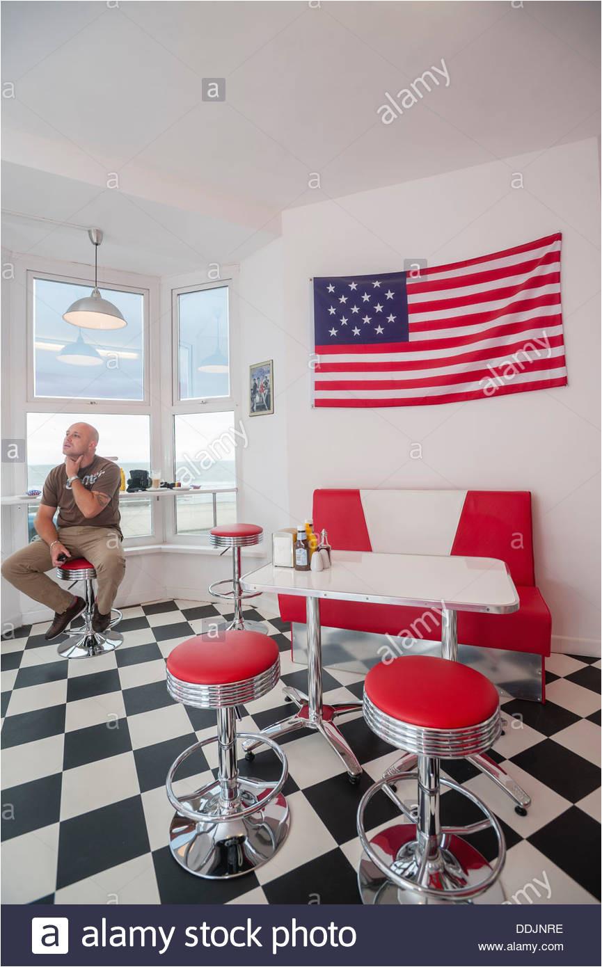 interieur ty es amerikanisches retro 50er jahre diner cafe aberystwyth wales uk stockbild