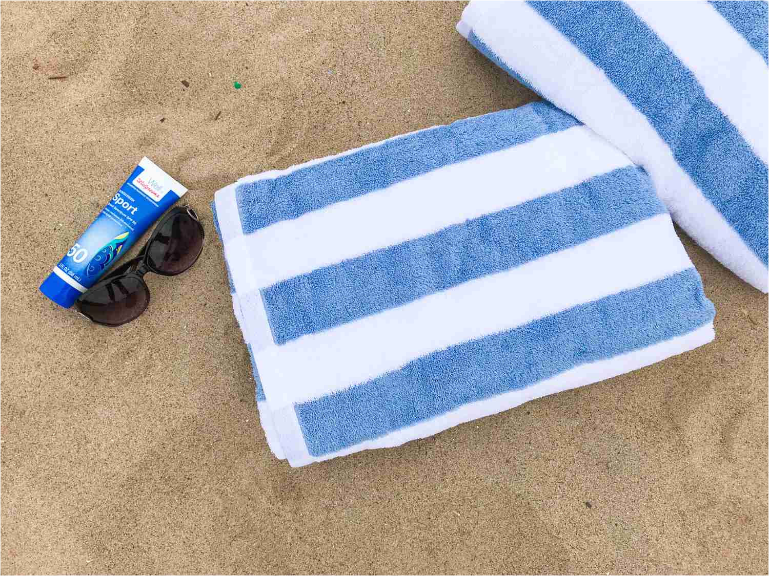 this towel s biggest pluses according to our testers were its reasonable price its softness and the fact that it absorbs water quickly