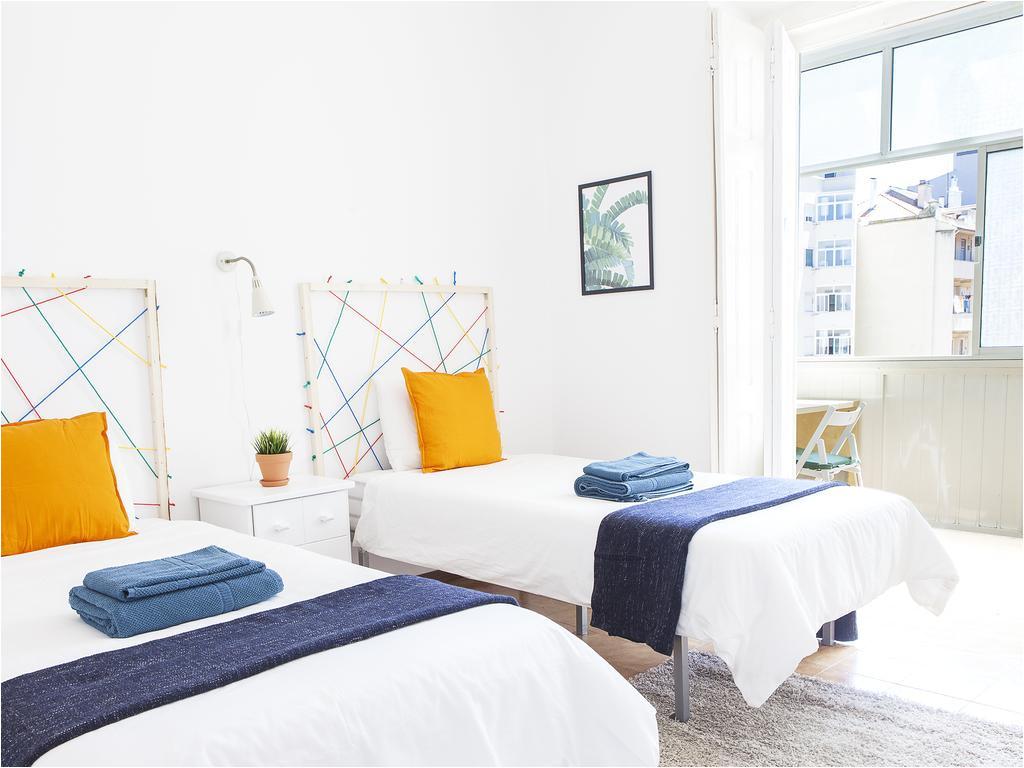 Bed and Breakfast In Lisbon Portugal Hostel Da Vinci Flat Portugal Lissabon Booking Com