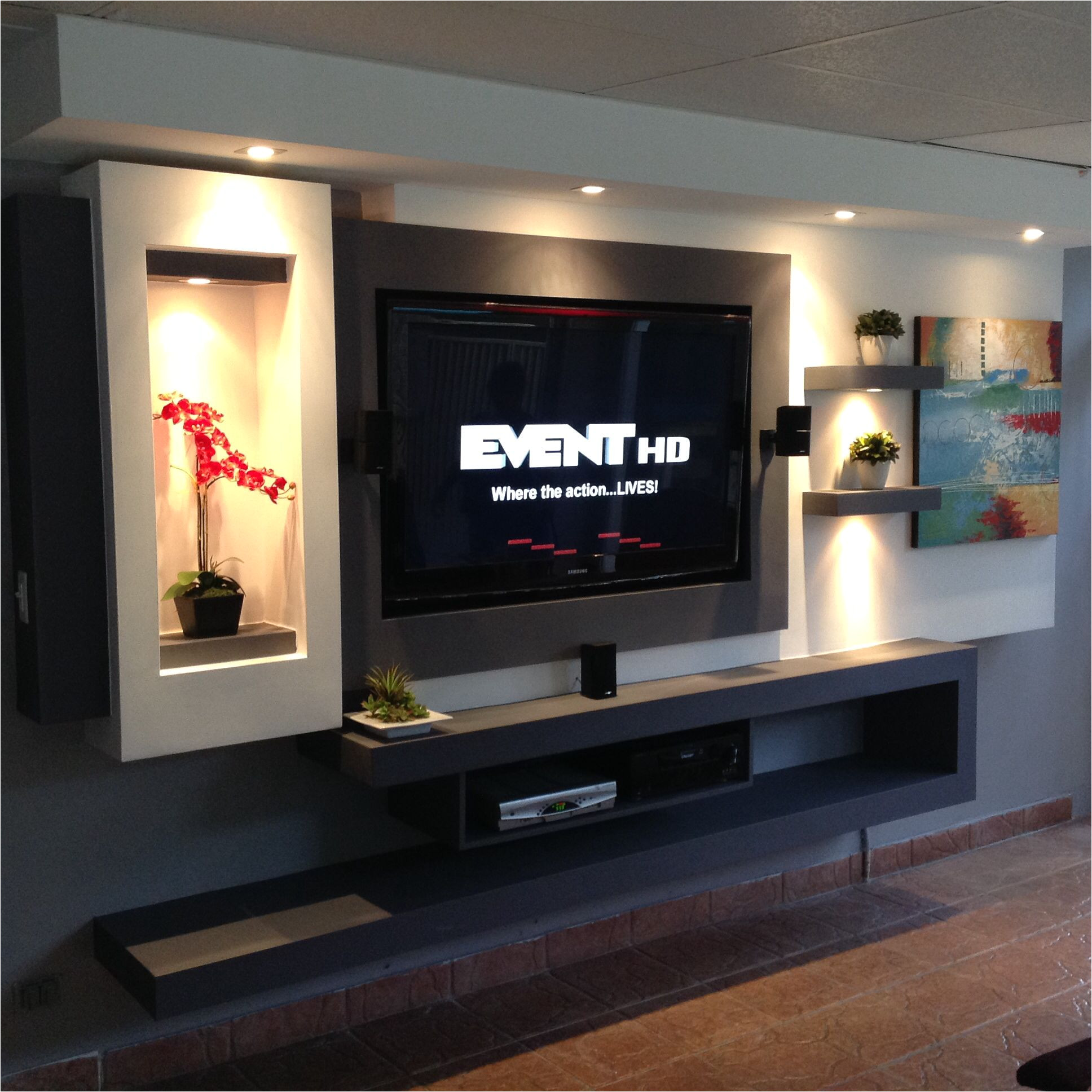 tv in wall made with gypsum board