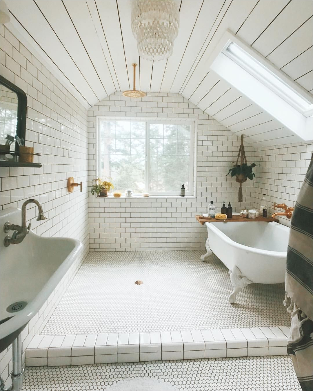 not the white tile walls but that clawfoot tub a a