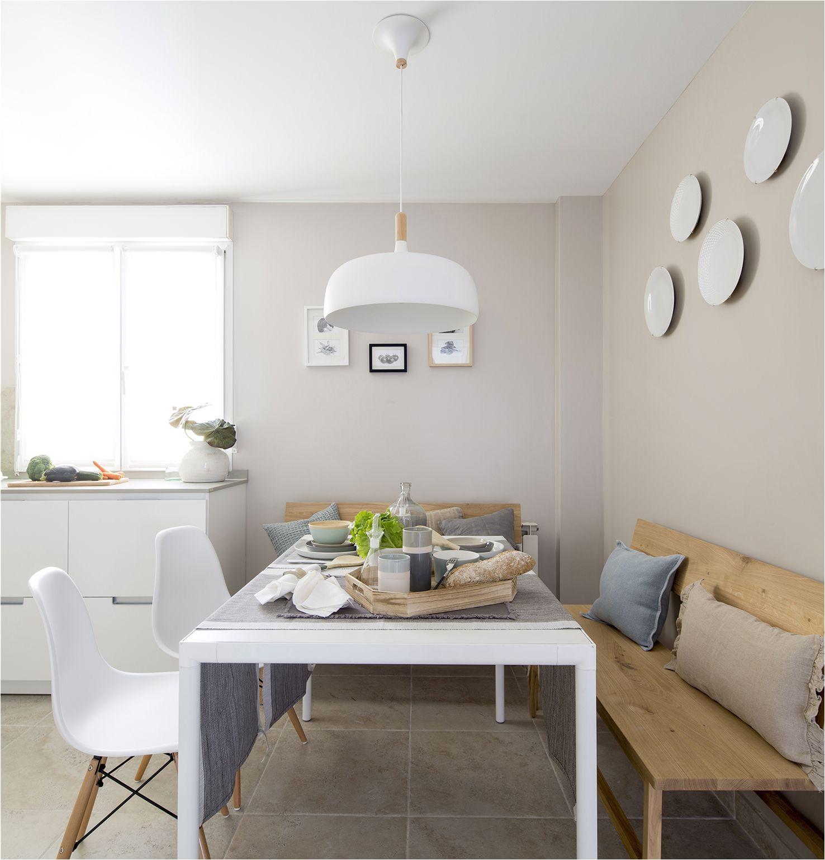 office y cocina color blanco modelo minos de la casa santos en vivienda a ntegramente reformada por natalia zubizarreta interiorismo en gernika vizcaya