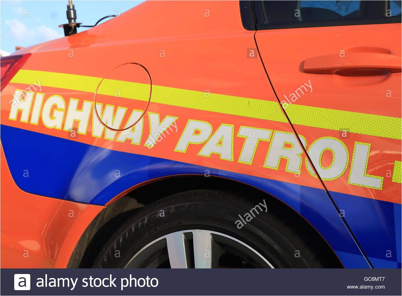 australische autobahnpolizei polizeiauto stockbild