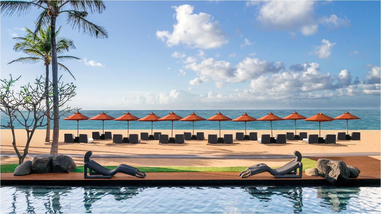 st regis beach and pool 2