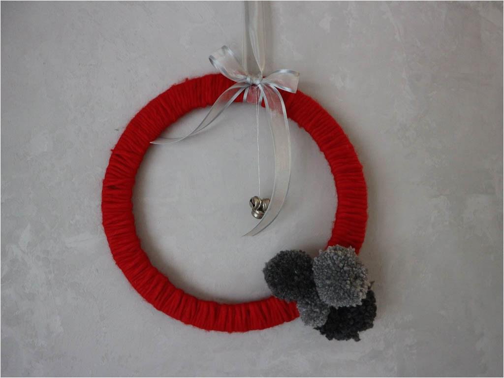 la entrada como hacer adornos de navidad para las puertas aparece primero en the beautiful project