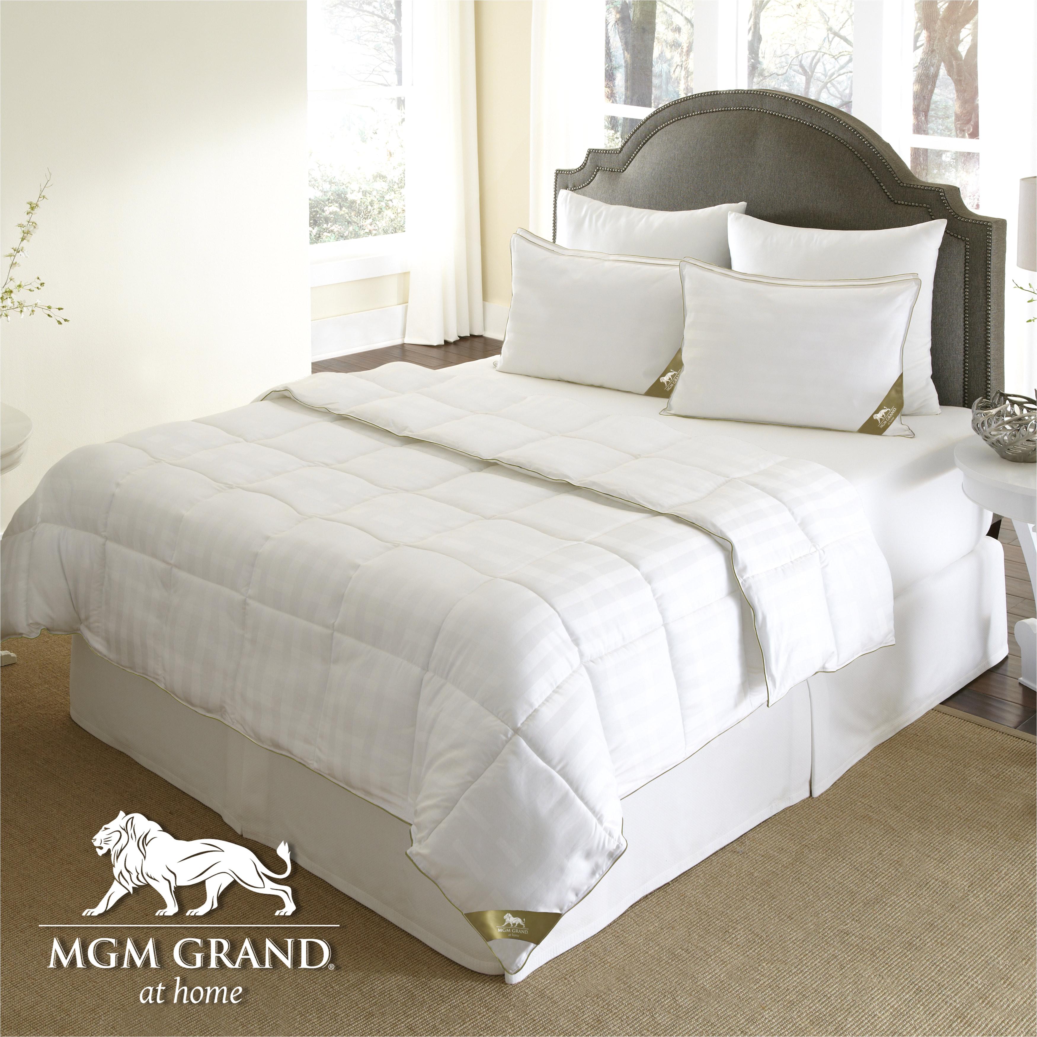 the ultimate winter comforter hotel luxury down alternative comforter duvet insert tabs washable hypoallergenic
