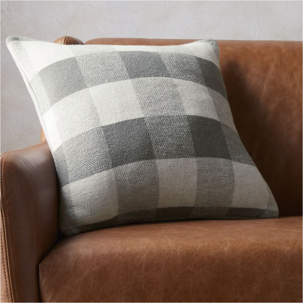 Difference Between Down and Down Alternative Pillow 18 Victor Pillow with Down Alternative Insert Products Pinterest