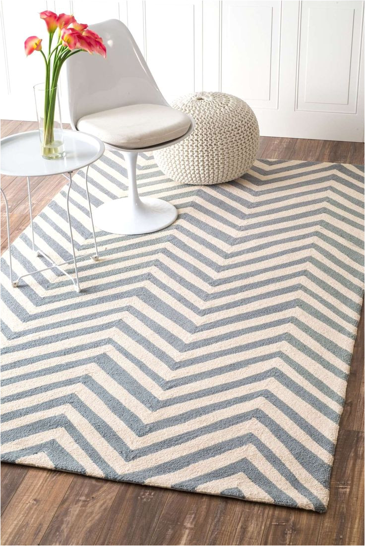 the rugs usa homespun chevron rug deftly blends the trendy popularity of chevron stripes with the timeless comfort of a well made sturdy area rug