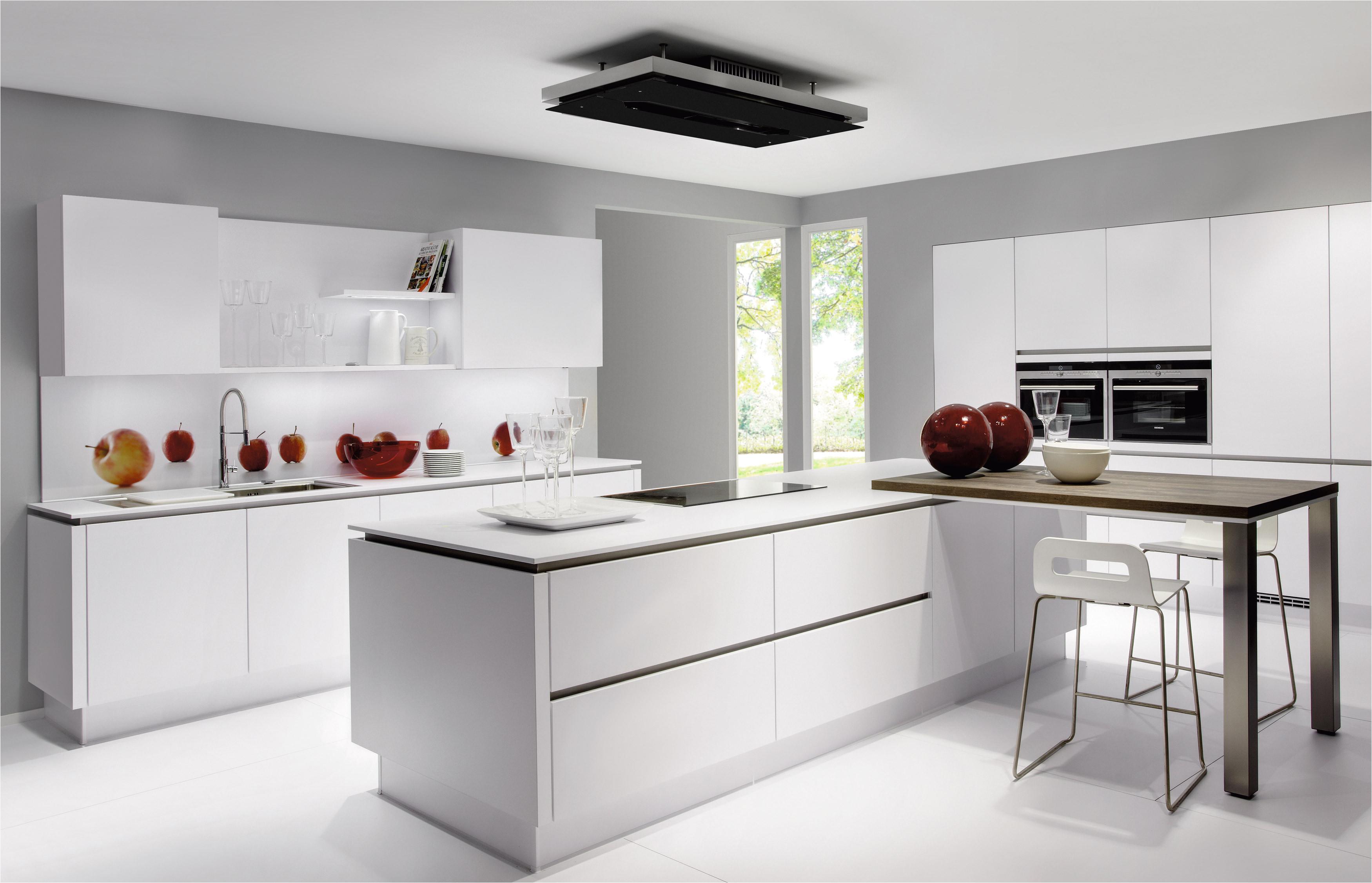 Dise os de cocinas peque as y sencillas con barra - Fotos de cocinas pequenas y modernas ...