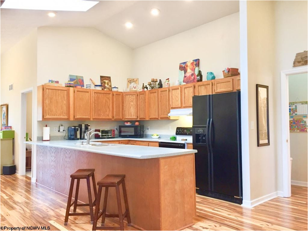 Furniture Stores Morgantown Wv 11 Pinebrook Lane Morgantown Wv 26508 Mls 10119671 J S