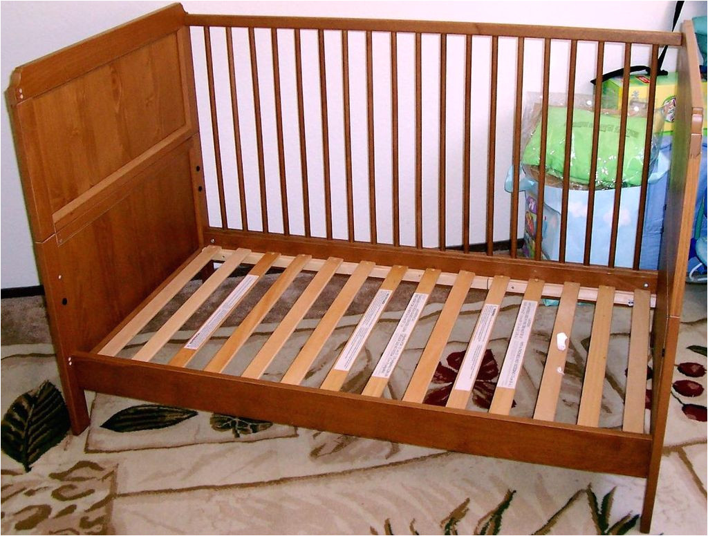 picture of assemble the crib