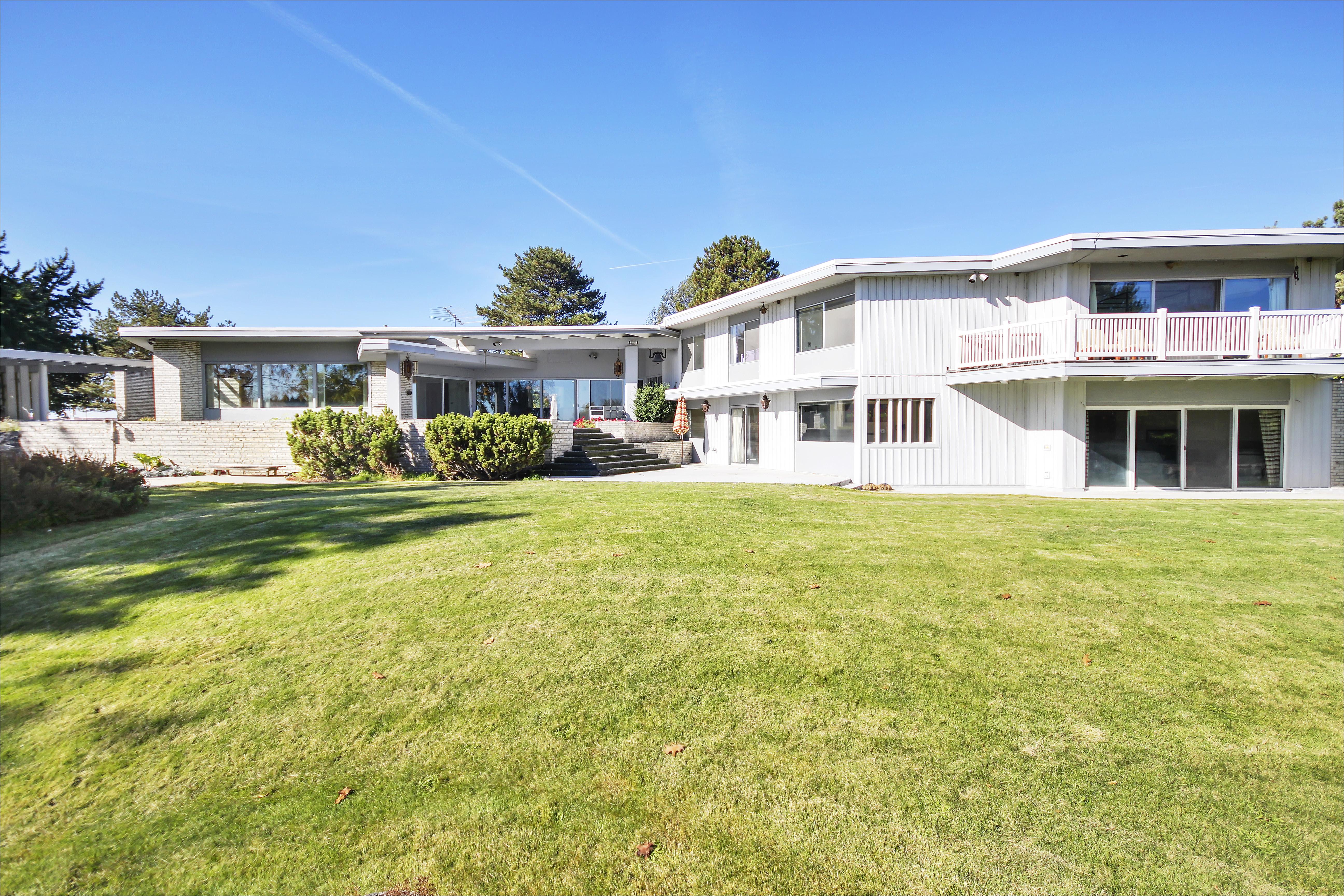 frank lloyd wright inspired parallelogram house asks 560k