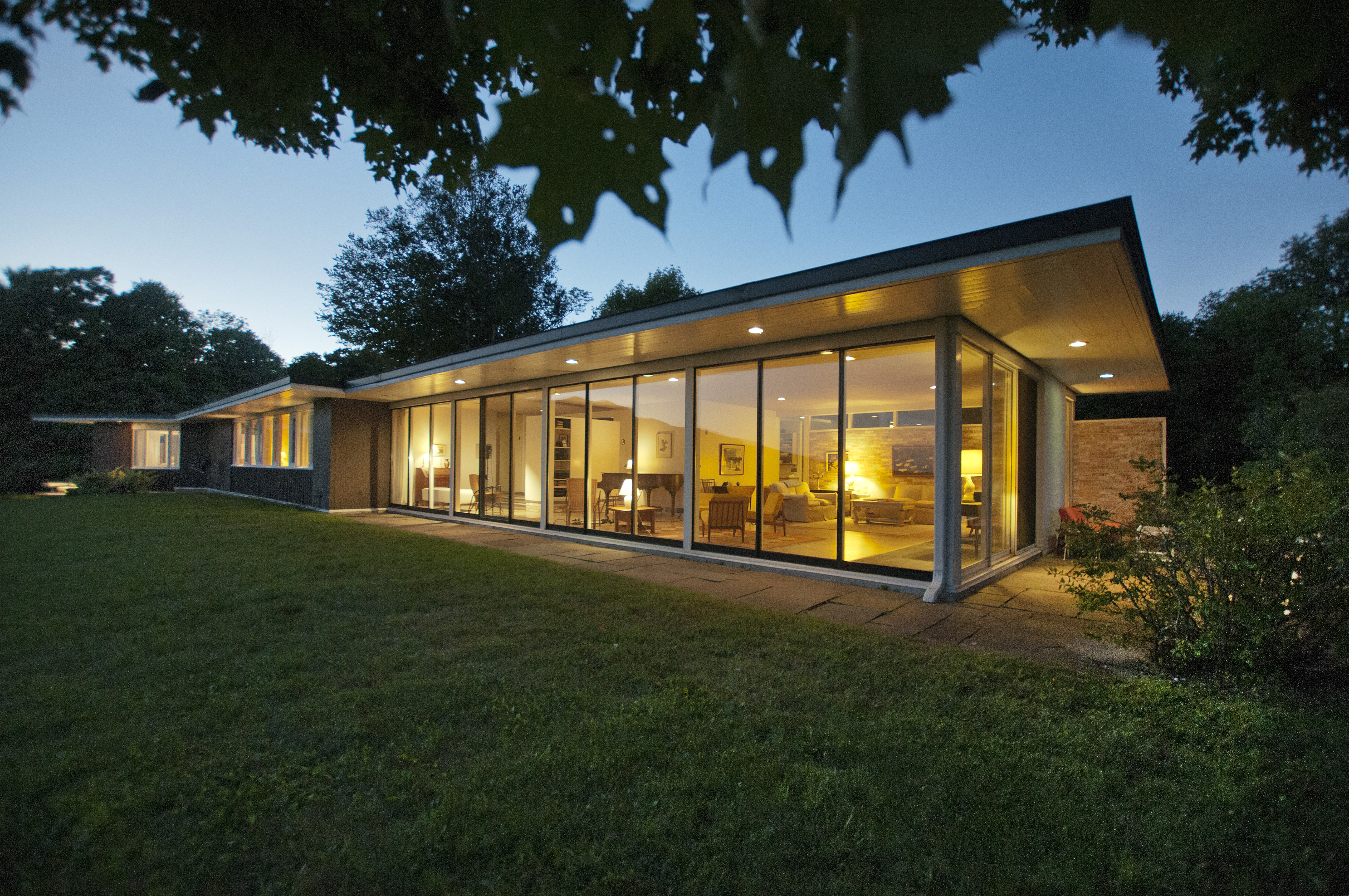 midcentury modern on 135 acres asks 1 2m