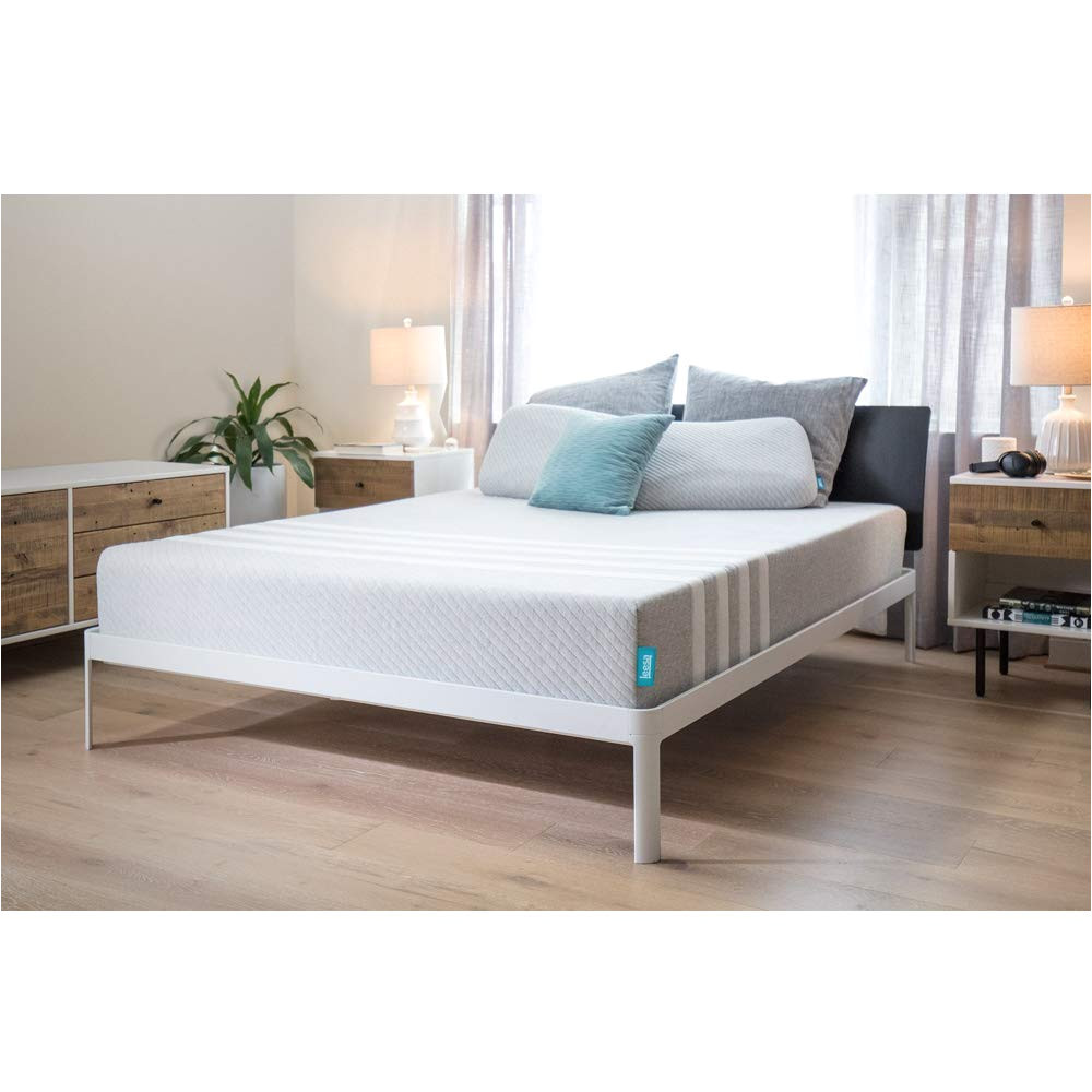 amazon com leesa universal adaptive feel memory foam cooling 10 mattress queen kitchen dining