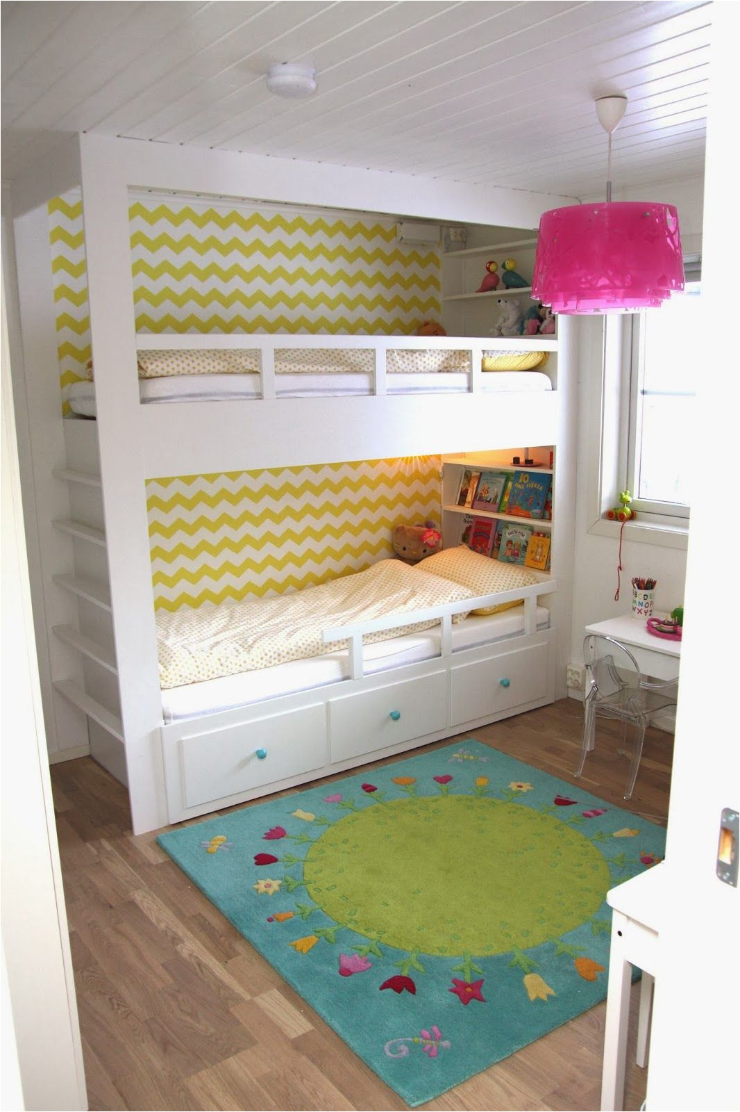 oh it s a hemnes daybed on the bottom with a loft bed on top smart