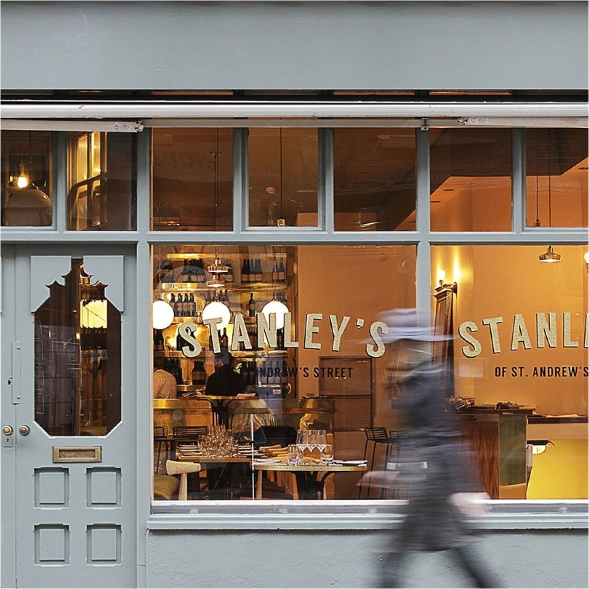 restaurant review stanley s gets a second look and comes up smelling of roses