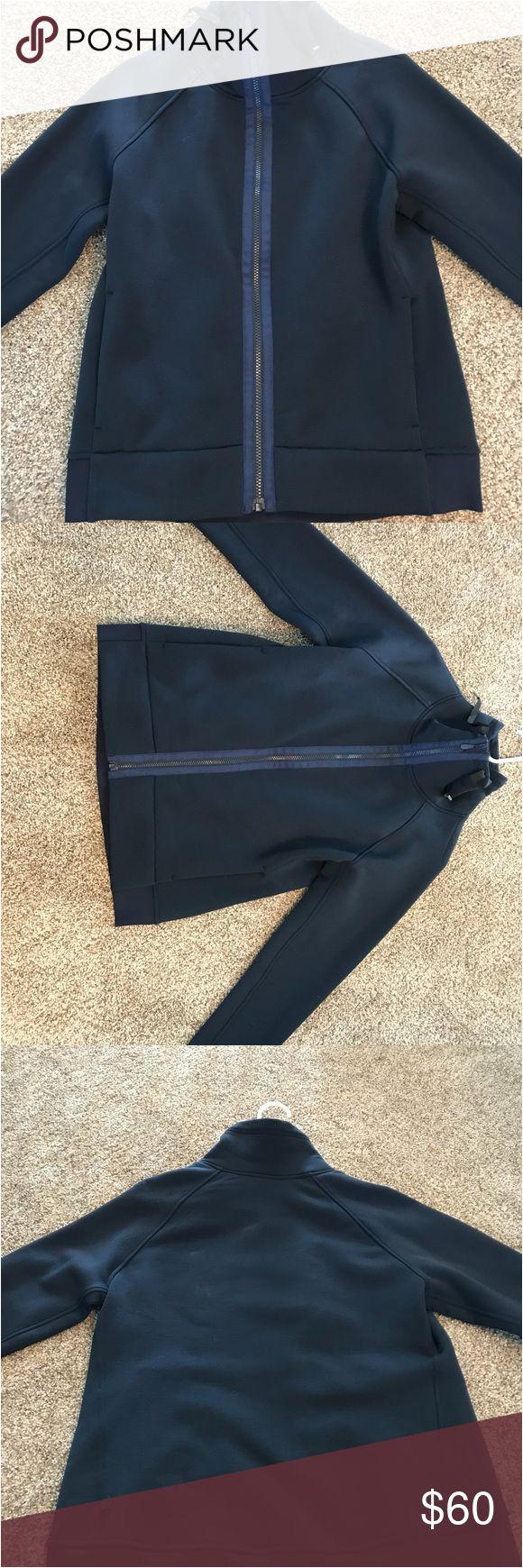 lululemon kick the cold jacket size 10
