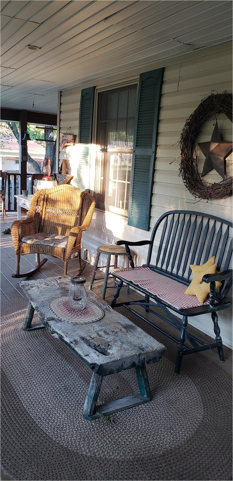 pin od lori na outdoor living porches decks wreaths flowers more pinterest