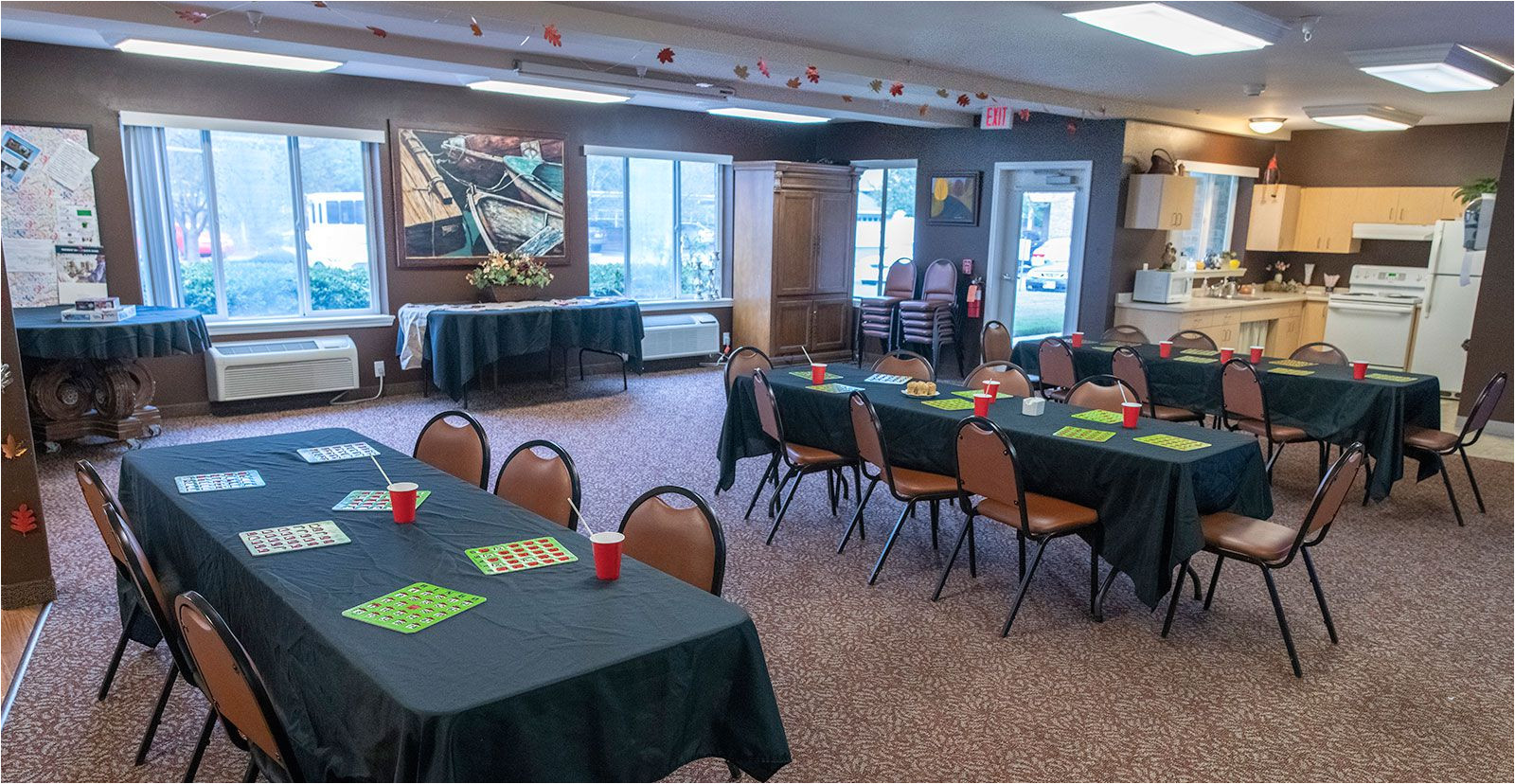 resident activity room at jordan oaks independent senior living community