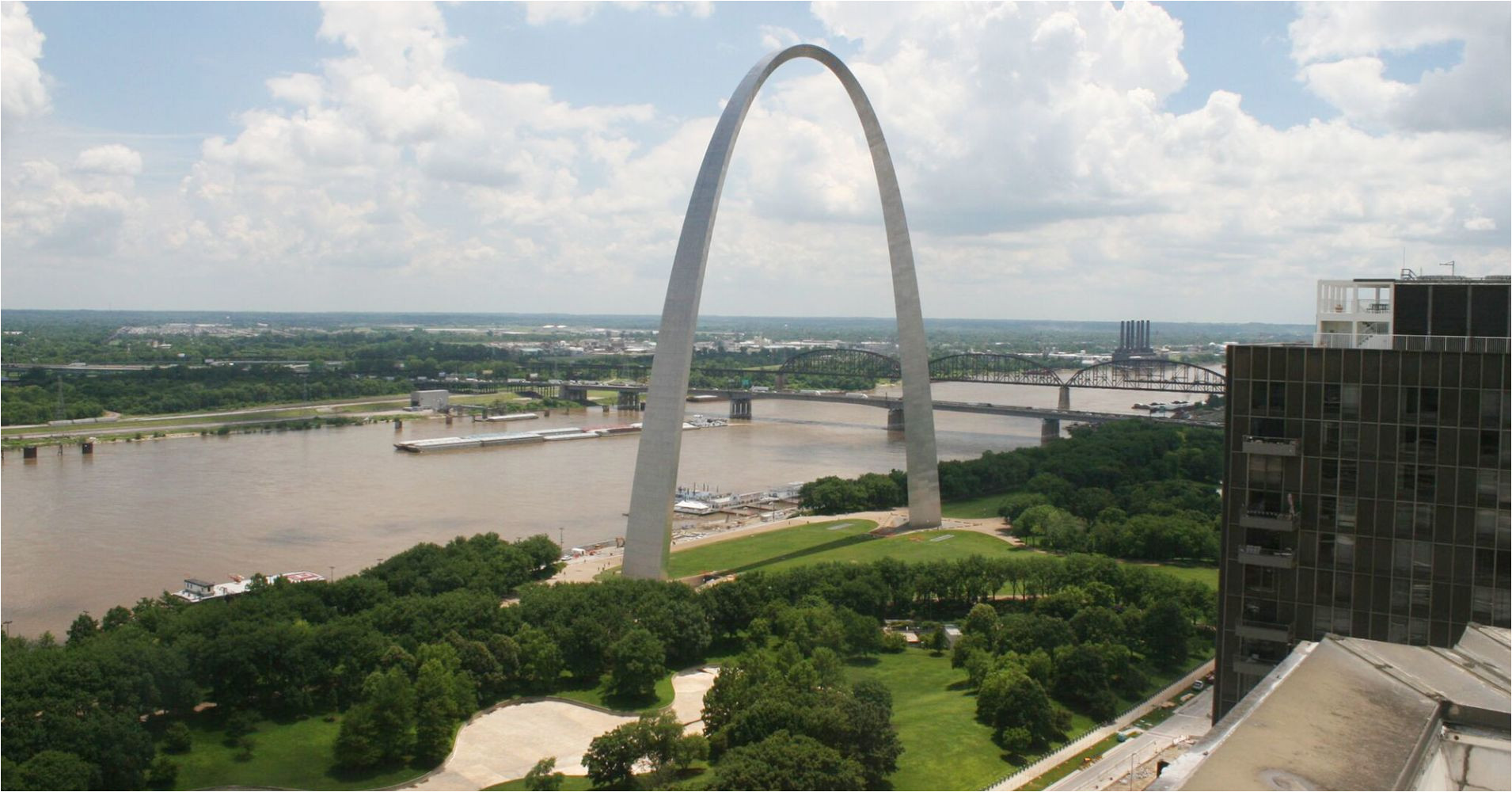 105047080 daytime view of the iconic gateway arch in st louis courtesy of gateway arch park foundation preview 1910x1000 jpg