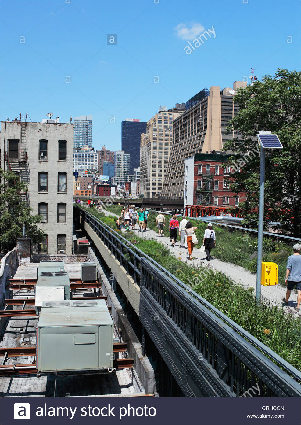 the high line is a new york city park built on a section of the former