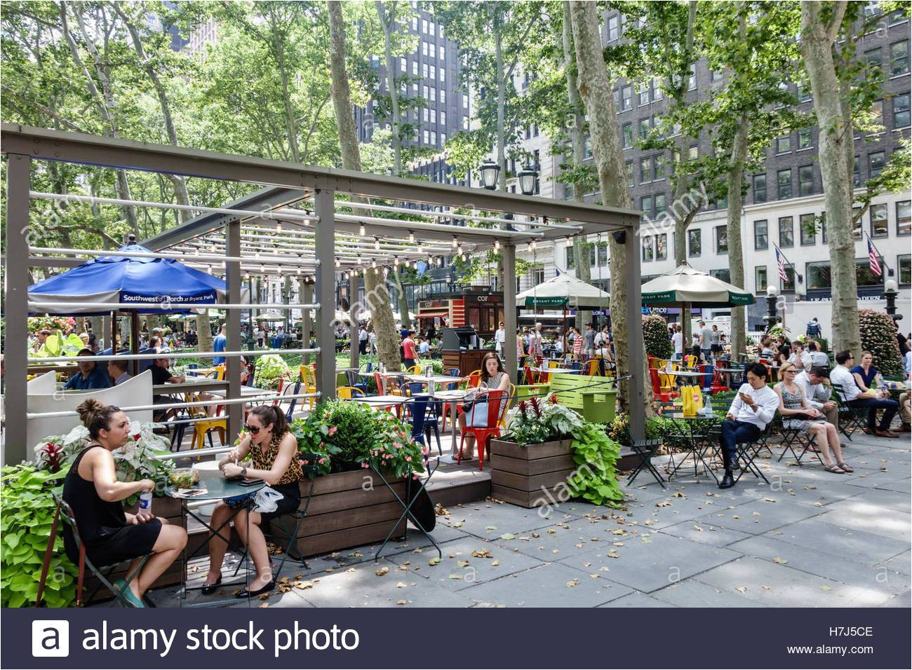 built on an old railway manhattan new york city nyc ny midtown bryant park public park southwest porch restaurant outdoor lounge