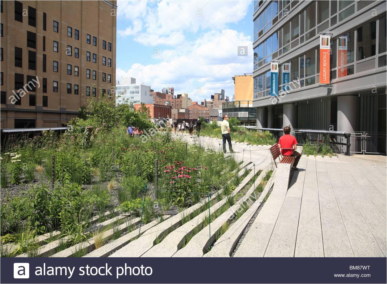 highline elevated public park on former rail tracks manhattan new york city usa